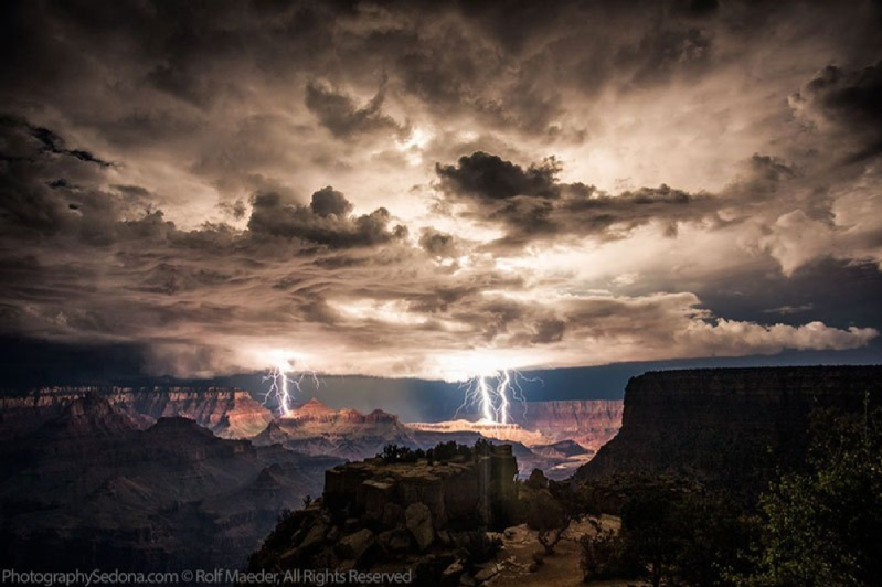 GRAND CANYON LIGHTENING